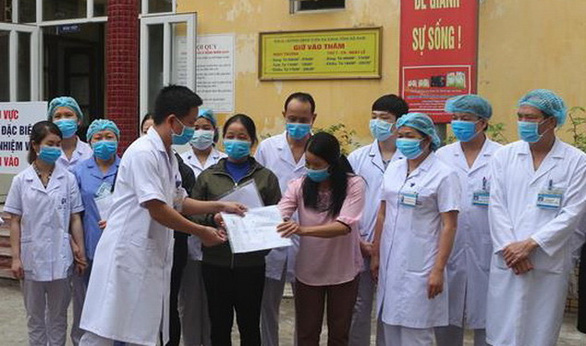 3 nhân viên Công ty Trường Sinh được công bố khỏi bệnh - Ảnh 1.
