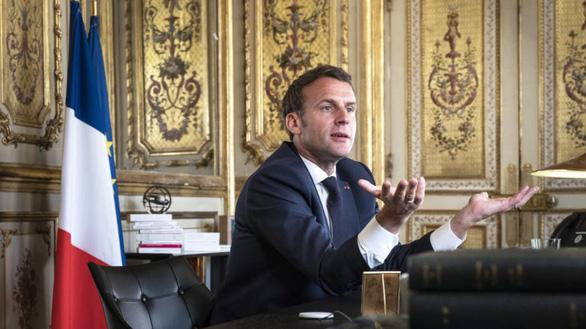 Tổng thống Pháp: nói Trung Quốc chống dịch tốt hơn phương Tây là ngây thơ - Ảnh 1.