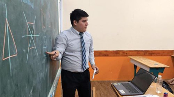 Người dạy online, kẻ thất nghiệp - Ảnh 1.