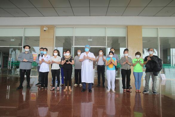 Thêm 21 bệnh nhân COVID-19 khỏi bệnh, hơn 2/3 ca ở Việt Nam được điều trị khỏi - Ảnh 1.