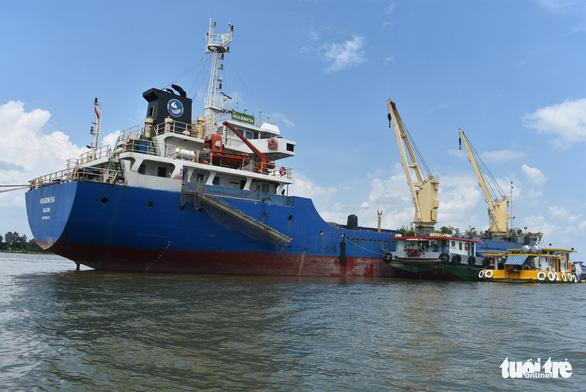 Giải phóng nhanh gạo đang ùn ứ tại cảng để giảm tổn thất cho doanh nghiệp - Ảnh 2.