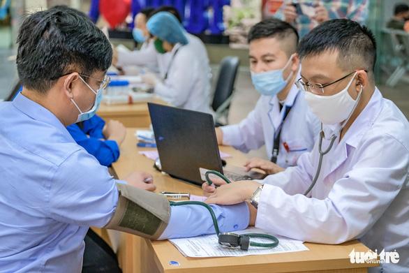 Miss Charm International Quỳnh Nga cùng hàng trăm bạn trẻ hiến máu mùa COVID-19 - Ảnh 5.