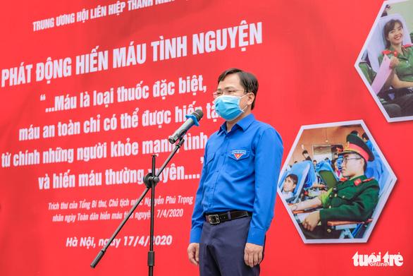 Miss Charm International Quỳnh Nga cùng hàng trăm bạn trẻ hiến máu mùa COVID-19 - Ảnh 2.