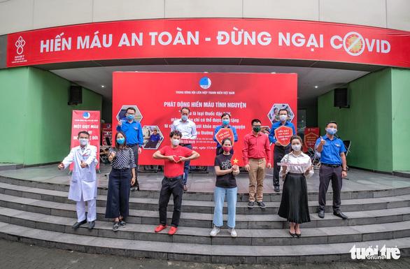 Miss Charm International Quỳnh Nga cùng hàng trăm bạn trẻ hiến máu mùa COVID-19 - Ảnh 3.