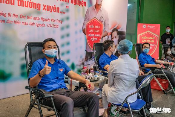 Miss Charm International Quỳnh Nga cùng hàng trăm bạn trẻ hiến máu mùa COVID-19 - Ảnh 9.
