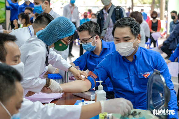 Miss Charm International Quỳnh Nga cùng hàng trăm bạn trẻ hiến máu mùa COVID-19 - Ảnh 6.
