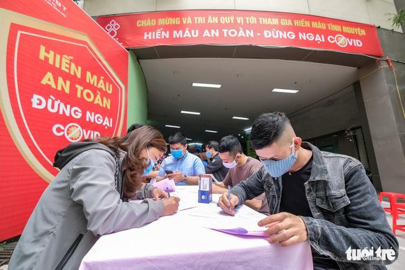Miss Charm International Quỳnh Nga cùng hàng trăm bạn trẻ hiến máu mùa COVID-19 - Ảnh 4.