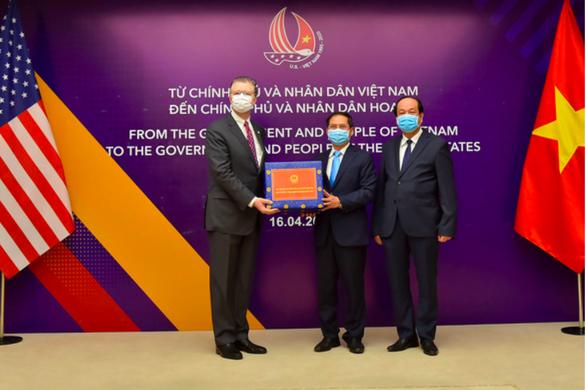 Thượng nghị sĩ Tom Cotton: Mãi biết ơn sự giúp đỡ từ những người bạn ở Việt Nam - Ảnh 2.