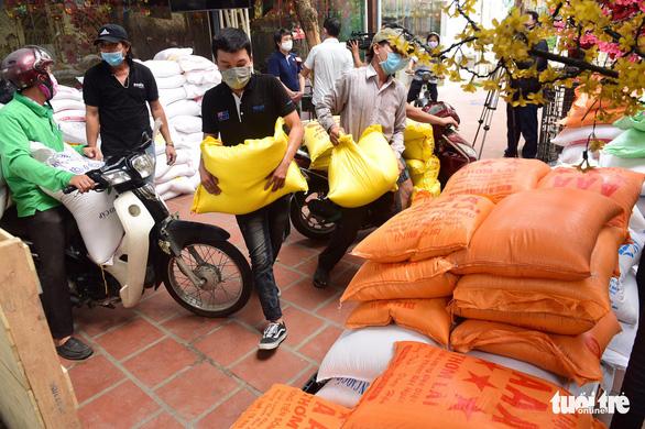 Phó chủ tịch nước gửi thư khen nghĩa cử giúp dân của người sáng lập ATM gạo - Ảnh 1.