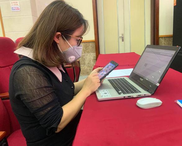 Ứng dụng trên điện thoại truy dấu, tránh việc một người bị nhiễm cả khu bị cách ly - Ảnh 1.