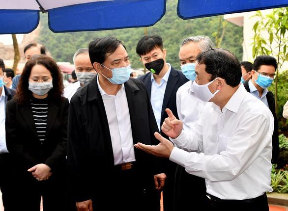 2.600 xe nông sản ùn ứ, Lạng Sơn đề xuất tạm dừng nhận hàng hóa lên cửa khẩu - Ảnh 2.