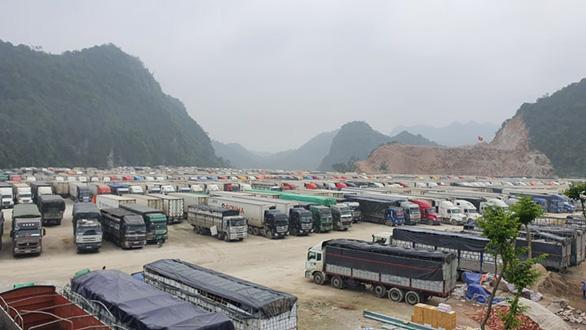 2.600 xe nông sản ùn ứ, Lạng Sơn đề xuất tạm dừng nhận hàng hóa lên cửa khẩu - Ảnh 3.