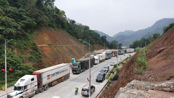 2.600 xe nông sản ùn ứ, Lạng Sơn đề xuất tạm dừng nhận hàng hóa lên cửa khẩu - Ảnh 4.