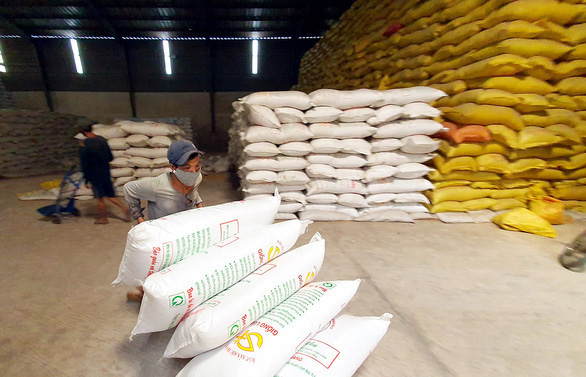 Bộ Công thương kiến nghị xuất khẩu gạo trở lại bình thường từ tháng 5 - Ảnh 1.