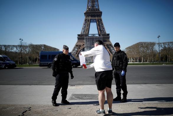 Tường trình từ Paris: vượt qua tử thần corona - Ảnh 4.