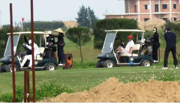 Mở cửa đón khách, công ty sân golf bị phạt 15 triệu đồng - Ảnh 1.