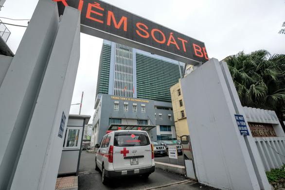 Bộ Công an triệu tập một số cán bộ Trung tâm kiểm soát bệnh tật Hà Nội - Ảnh 1.