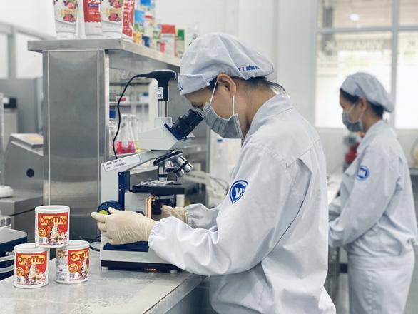 Vượt khó dịch COVID-19, Vinamilk xuất khẩu sữa vào thị trường Trung Quốc - Ảnh 3.
