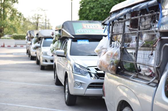 Thái Lan nhanh chóng mở tạp hóa lưu động bán tận nhà dân - Ảnh 2.