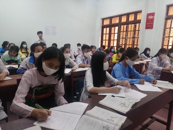 Học sinh THCS, THPT Thanh Hóa đi học lại từ ngày 21-4 - Ảnh 1.