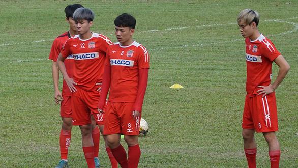 Các CLB ở V-League: Chỉ số ít duy trì tập luyện - Ảnh 1.