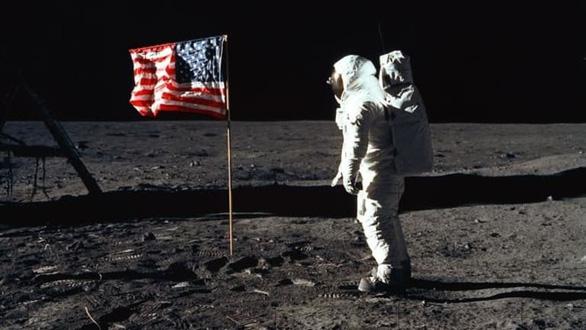 12.000 hồ sơ đăng ký lên Mặt trăng, NASA mất cả năm để chọn người - Ảnh 2.