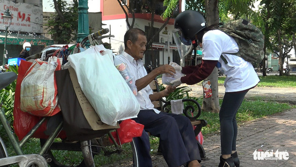 Suất cơm 0 đồng cho người nghèo ngày cách ly - Ảnh 5.