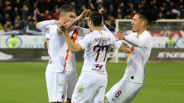 Cầu thủ AS Roma không nhận lương 4 tháng để giúp đội bóng - Ảnh 1.