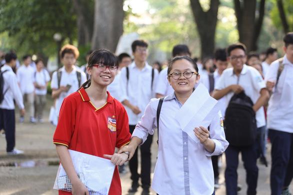 Hà Nội dự kiến cho học sinh đi học trở lại vào đầu tháng 5 - Ảnh 1.