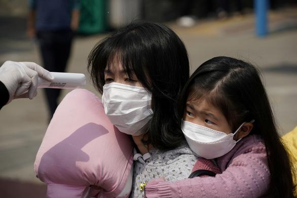 Dịch COVID-19 chiều 20-4: Việt Nam thêm nhiều ca ra viện, Singapore tăng kỷ lục ca nhiễm - Ảnh 3.