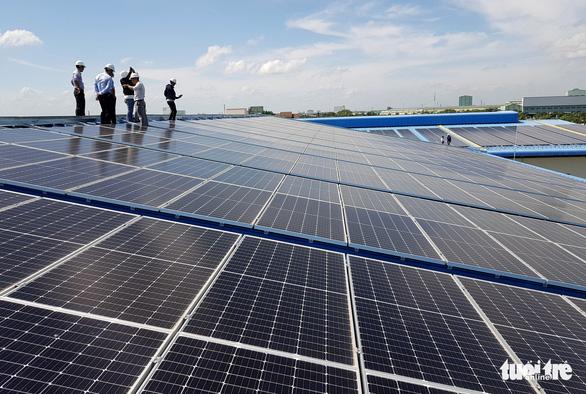 Chính sách giá cho điện mặt trời trên mái nhà quá ngắn? - Ảnh 1.