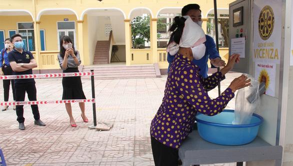 'ATM gạo' sẽ giúp người khó khăn Đà Nẵng suốt 2 tháng - Ảnh 4.