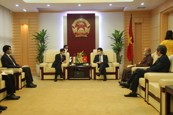 Việt Nam tặng 100.000 khẩu trang vải kháng khuẩn cho Ấn Độ - Ảnh 1.