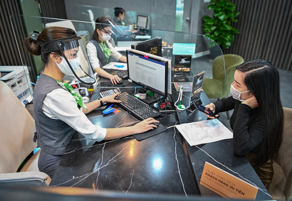 Bất chấp COVID, lợi nhuận trước thuế của VPBank vẫn đạt hơn 2.900 tỉ đồng - Ảnh 1.