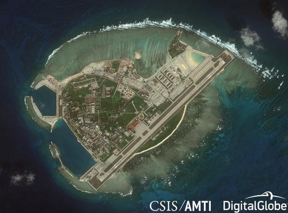 Lầu Năm Góc chỉ trích Trung Quốc tập trận trên Biển Đông - Ảnh 1.