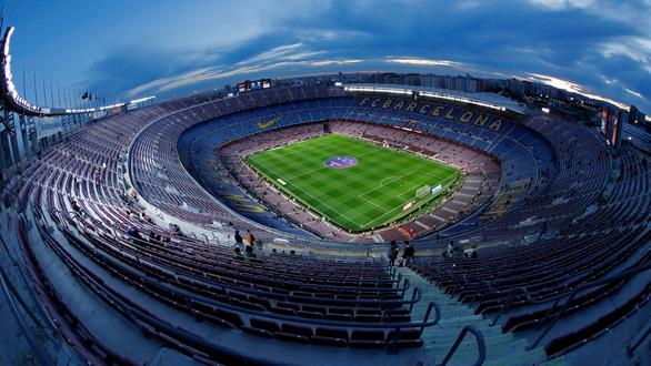 Lần đầu trong lịch sử Barca bán tên sân Nou Camp - Ảnh 1.