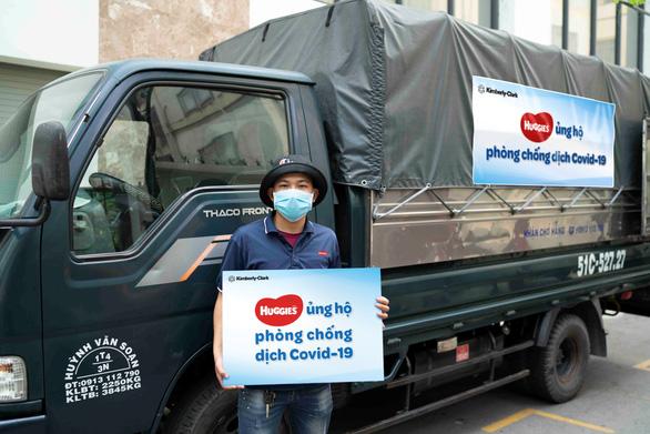 Huggies Việt Nam ủng hộ vật phẩm y tế cho 40 bệnh viện phụ sản - Ảnh 2.