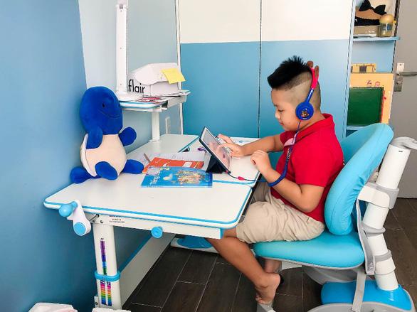 Royal School: kết nối thầy trò từ những giờ học trực tuyến - Ảnh 2.