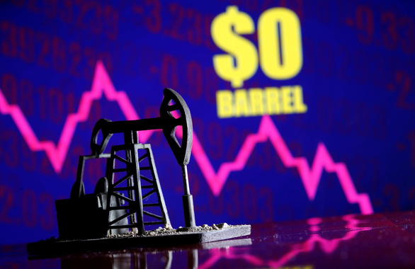 Ngày lịch sử: giá dầu thô thế giới rớt thê thảm dưới 0 USD/thùng - Ảnh 1.