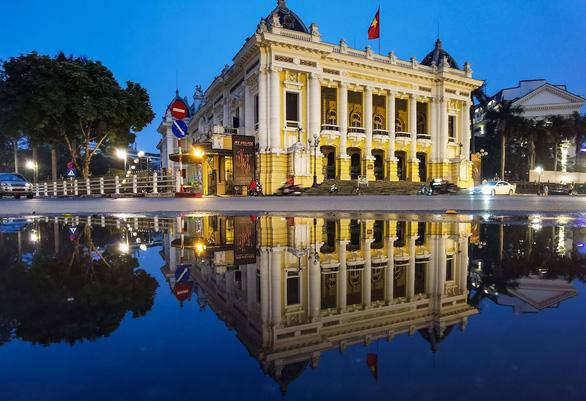 Hà Nội, TP.HCM cùng xuống nhóm nguy cơ, từ 23-4 được mở cửa hàng kinh doanh - Ảnh 1.
