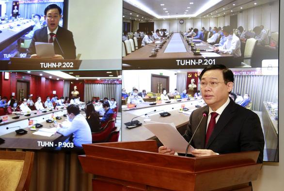 Hà Nội đã tiên phong, chiến thắng trong chống COVID-19, còn phục hồi và phát triển kinh tế thì sao? - Ảnh 1.