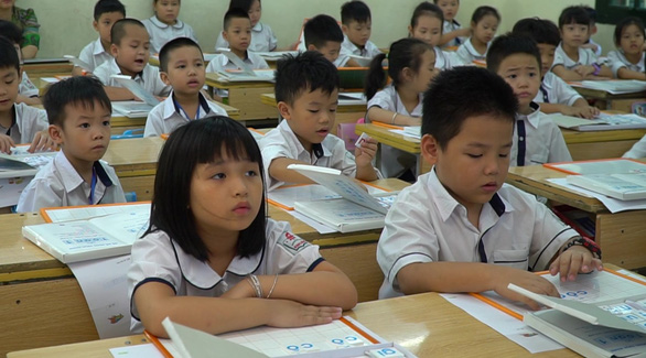 Hà Nội chính thức đề xuất cho học sinh đi học lại từ 4-5 - Ảnh 1.