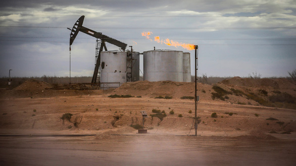 Giá dầu âm ảnh hưởng thế nào tới các nước châu Á? - Ảnh 1.