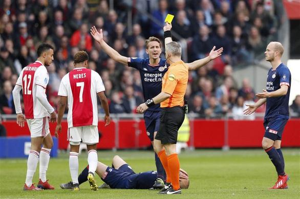 Hà Lan đóng cửa bóng đá tới tháng 9, Văn Hậu xem như hết cơ hội ra sân - Ảnh 1.