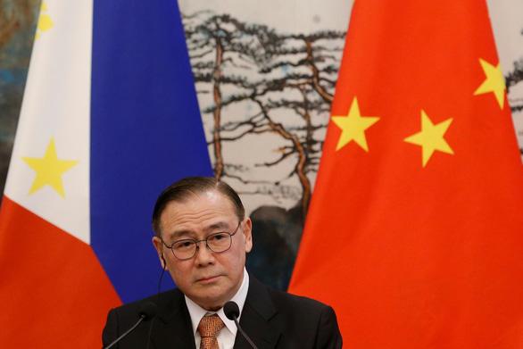 Philippines gửi hai công hàm phản đối Trung Quốc về Biển Đông - Ảnh 1.