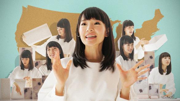 Tokyo đăng video của 'thánh nữ dọn nhà'  Marie Kondo cho dân đỡ chán mùa dịch - Ảnh 1.