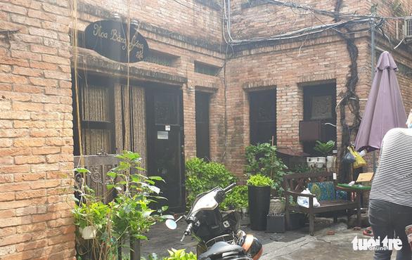 Cơ sở spa trong hẻm đường Võ Văn Tần cháy dữ dội, khói nghi ngút - Ảnh 3.