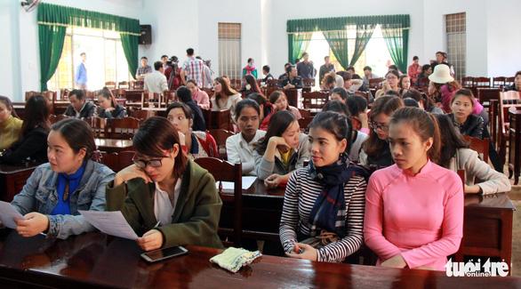Đắk Lắk không tuyển dụng đặc cách giáo viên theo yêu cầu của Bộ Nội vụ - Ảnh 1.