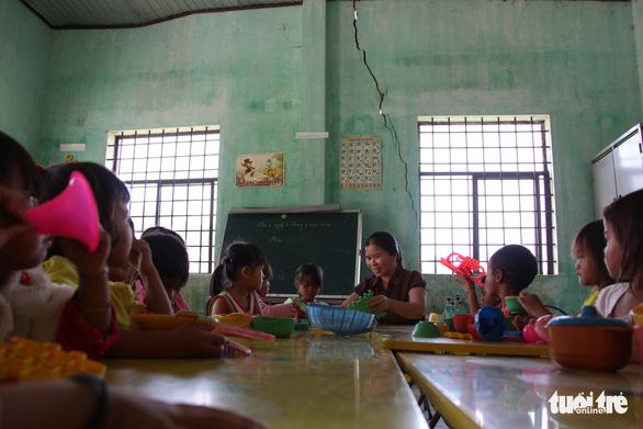 Đắk Lắk không tuyển dụng đặc cách giáo viên theo yêu cầu của Bộ Nội vụ - Ảnh 2.