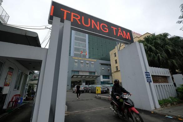 Vì sao ông Nguyễn Nhật Cảm, giám đốc CDC Hà Nội bị bắt? - Ảnh 1.